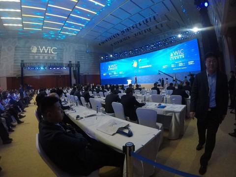 El gobierno chino promueve una colaboración más profunda entre la comunidad comercial y la académica, en el Segundo Congreso Mundial de Inteligencia realizado en Tianjin (Fotos: Olimpia Ávila)