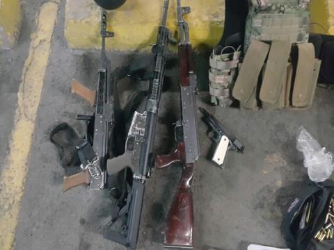 En Jalisco, militares aseguraron 14 armas largas, principalmente fusiles AK-47 y AR-15