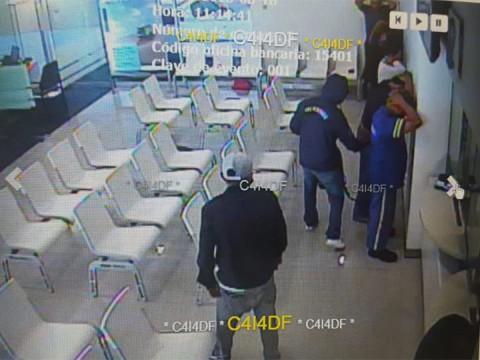 Así realizan asalto en banco de GAM