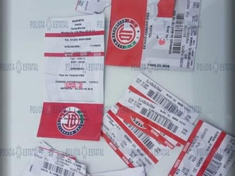 Boletos de futbol falsos para la final entre Santos y Diablos