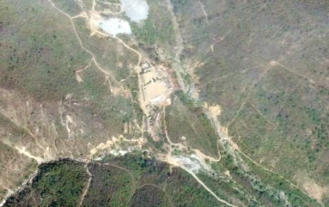 Prensa extranjera viaja a sitio de ensayos nucleares de Norcorea