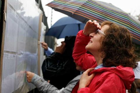 Colombianos eligen presidente bajo fuerte polarización
