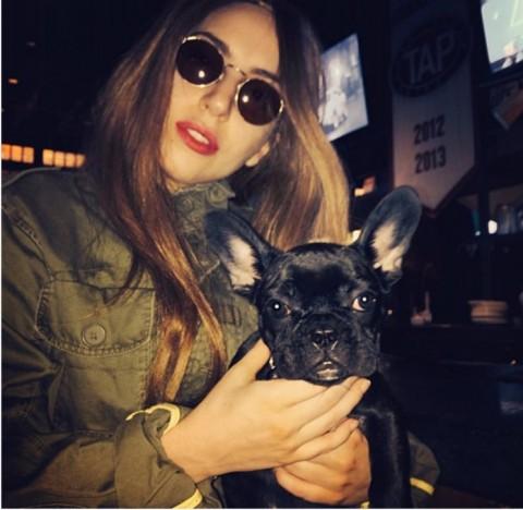 """""""Asia"""" aparece al lado de Lady Gaga (Foto: Instagram)"""