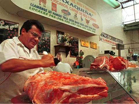 Carne de cerdo y antojitos mexicanos subirían de precio por guerra comercial con EU (Foto: Cuartoscuro)