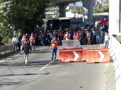 Integrantes de la CNTE sobre el ingreso a la CDMX (Foto: Daniel Magaña)