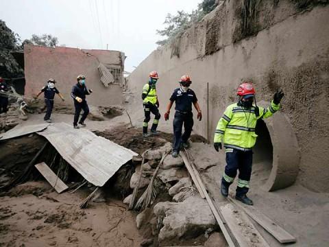 El Volcán de Fuego reactiva su actividad — Guatemala en Alerta