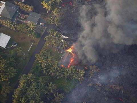 VIDEO AÉREO: Así es el gigantesco cráter Pu'u 'O'o del volcán Kilauea