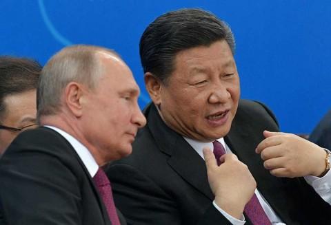 Putin regala un sauna al presidente chino, Xi Jinping
