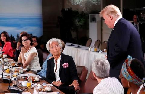 Trump deja cumbre del G7 y justifica guerra comercial