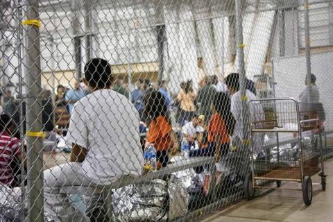 50 niños fueron separados de sus padres en frontera de EE.UU