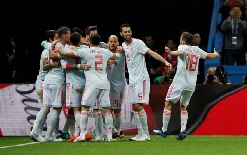 España tiene suerte vence a Irán gol Diego Costa