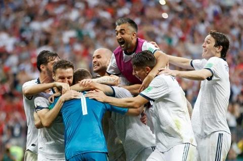 Rusia aprovecha soberbia de España y avanza a cuartos
