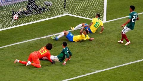 Neymar anota primer gol de Brasil