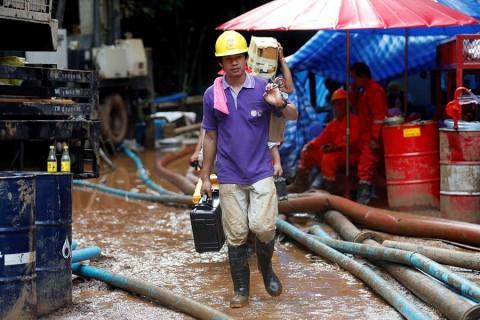 Evalúan cómo sacar a niños de cueva en Tailandia