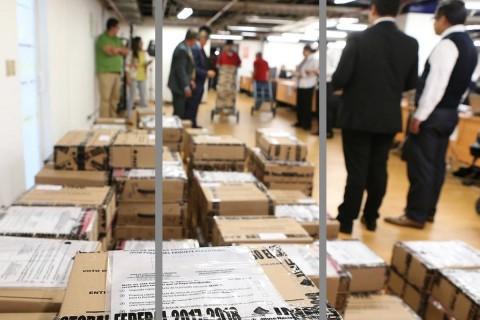 El trayecto del material electoral fue resguardado por unidades y elementos de la Sedena. Foto: TEPJF