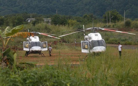 Cesan labores de rescate en cueva de Tailandia; quedan 5 por sacar