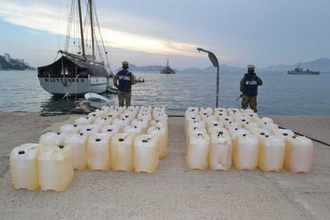 Semar asegura cocaína y gasolina al sur de Acapulco, Guerrero