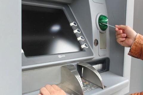 El cuarto ciberfraude que provocó más quejas fue los cajeros automáticos (ATM) con el 10% (864 mil 298). Foto: Pixabay