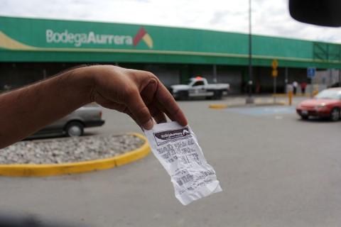 Compran en Bodega Aurrera televisiones en 5 pesos