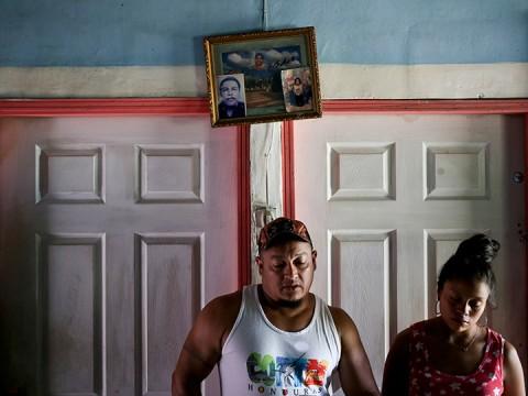 Rolando, un hombre de buen trato y trabajador que no permanece quieto por mucho tiempo, era consciente de los peligros de atravesar México (Foto: AP)