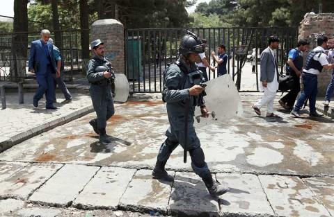 Atentado contra vicepresidente afgano deja al menos 14 muertos