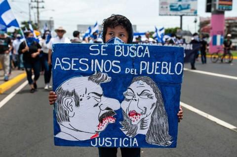 Acusan a Daniel Ortega de ser más 'cruel' y 'perverso' que dictador Somoza