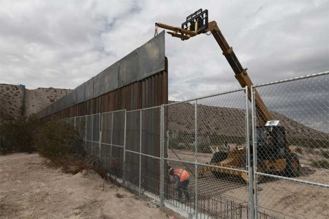Amaga Trump con cierre de gobierno si no hay apoyo a muro fronterizo