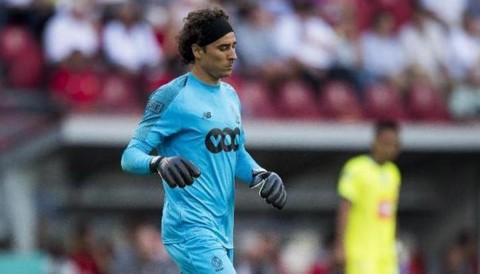 Ochoa, Standard, Lieja, Champions,
