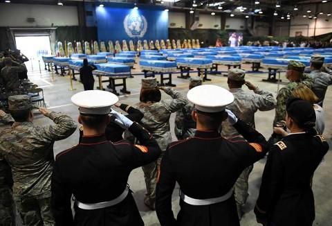 Restos de soldados de EU vuelven a casa desde Corea