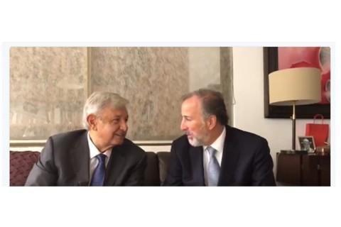 López Obrador y Meade Kuribreña desayunaron en la casa del político tabasqueño. Foto tomada del video.