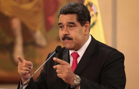 Estaba en cosas más importantes — Santos a Maduro