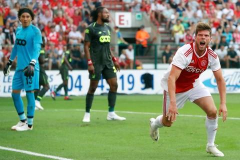 Guillermo Ochoa comete error debut Champions