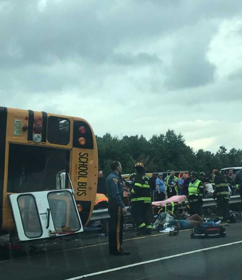 Accidente de autobús escolar en EU causa 36 heridos