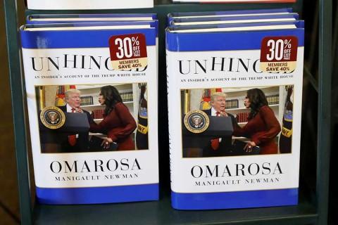 Omarosa violó acuerdo de confidencialidad con libro — Trump