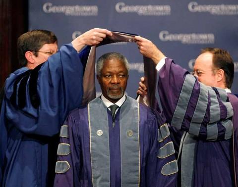 Muere Kofi Annan, exjefe de la ONU y Nobel de la Paz