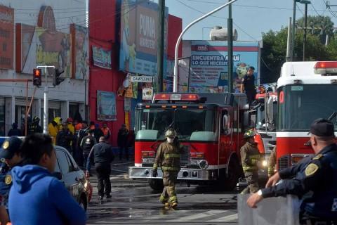 Bomberos, 'matafuegos' o 'tragahumos'… México los reconoce en su día