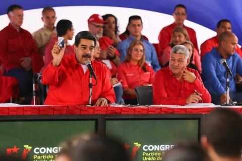 Maduro ofrece lingotes de oro, en nuevo plan económico