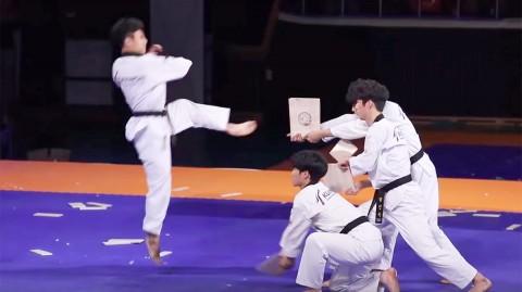 Corea Sur, Exhibición Taekwondo, Rompen Tablas, Mundial,