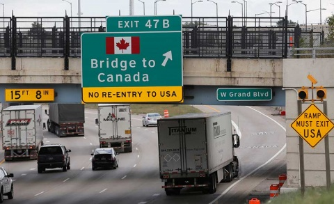 Amenaza Trump con romper TLCAN si Congreso aboga por Canadá