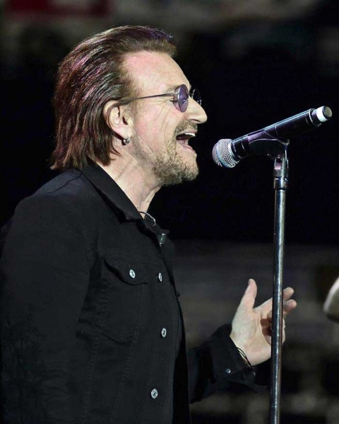 Bono recupera voz y confirma que gira de U2 sigue en pie