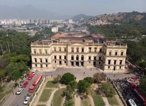 Lanza Brasil plan para reconstruir museo incendiado