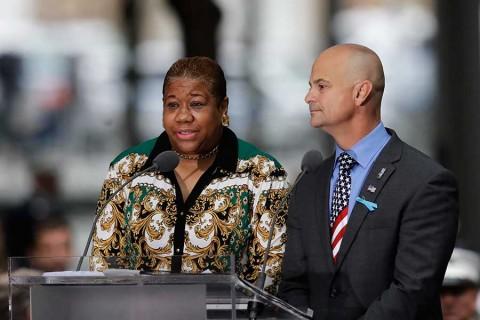 Miles de personas rinden tributo a víctimas del 11-S en Nueva York