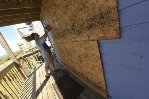 """La letal tormenta Florence sigue amenazando EEUU con fuertes vientos e inundaciones"""""""