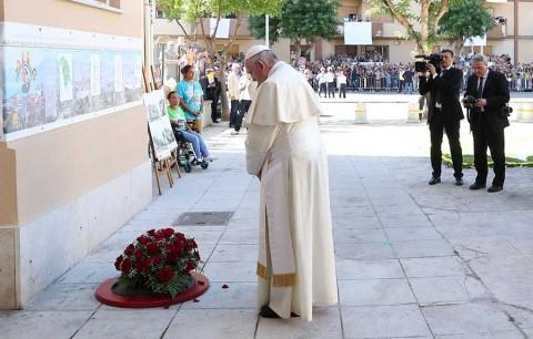 'No se puede creer en Dios y ser mafioso', dice el papa Francisco en Sicilia