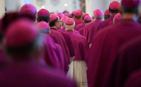 Iglesia católica alemana admite vergüenza por haber ignorado a víctimas de abusos