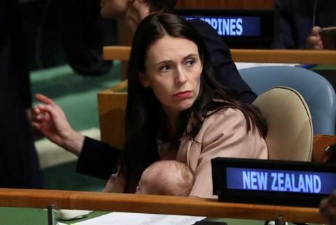 Primera ministra de Nueva Zelanda lleva a su bebé a la ONU por lactancia