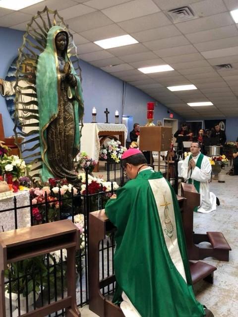Impactan a fieles lágrimas en rostro de Virgen en Hobbs