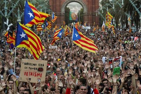 Presidente de Cataluña lanza ultimátum al Gobierno español