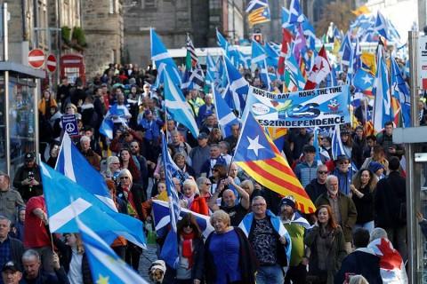 Marchan miles a favor de la independencia de Escocia