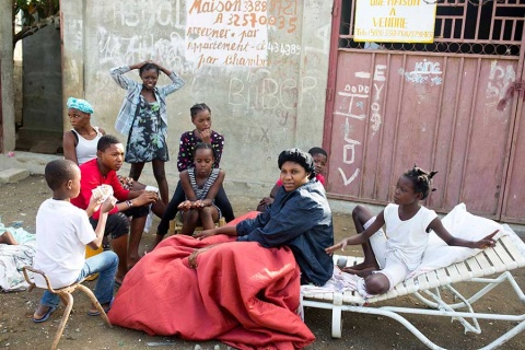 Van 17 muertos por sismo en Haití
